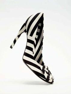 ***Roger Vivier - Black &White***