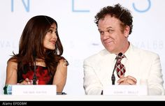 Mexican actress Salma Hayek (L) and US actor John C. Reilly (R) attend the press conference for 'Il Racconto Dei Racconti' (Tale of Tales) during the 68th annual Cannes Film Festival, in Cannes, France, 14 May 2015. The movie is presented in the Official Competition of the festival which runs from 13 to 24 May. © epa european pressphoto agency b.v. / Alamy