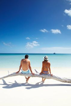 Plan your South Pacific honeymoon with the experts! Luxury Adventures are specialists in South Pacific honeymoons to NZ, Australia, Tahiti and Fiji. Rest Of The World, Places Around The World, Around The Worlds, Great Barrier Reef, Holiday Destinations, Travel Destinations, Australia Destinations, The Beach, Ocean Beach