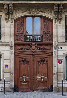 Paris Porte cochère rue La Bruyère