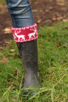 'Jazz up a pair of plain rubber boots with a cuff from socks or an old sweater. Boot Cuffs, Boot Socks, Old Sweater, Sweaters, Boot Toppers, Winter Socks, Walk This Way, Knitting Socks, Diy Clothes