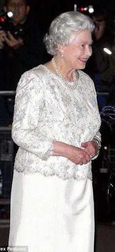 Lace Wedding, Wedding Dresses, Queen Elizabeth Ii, Royals, Fashion, Dating, Bride Dresses, Moda, Bridal Gowns