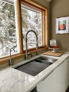 33 Ledge Sink - Single Bowl - Offset Drain Right - Create Good Sinks Kitchen Sink Design, Home Decor Kitchen, Kitchen Interior, New Kitchen, Kitchen Ideas, Kitchen Layout, Awesome Kitchen, Best Kitchen Sinks, Kitchen Decorations