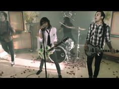 Pierce The Veil - Bulletproof Love