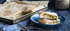 Klassinen peltilihapiirakka maistuu myös vegaanisella kasvistäytteellä. Vegaanisen peltipiirakan voi syödä sellaisenaan tai täyttää esimerkiksi soijanakeilla ja ketsupilla. N. 0,25€/annos.