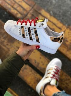 save off ef35a 803b1 Adidas Superstar Custom by Muffin  customsneakers  muffinshop  originals
