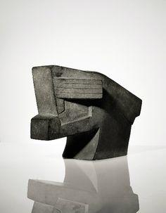 Csáky József: Oroszlánfej, 1923 körül, gránit, 23,2 x 32 x 18,5 cm, @ Christie's Images Ltd.
