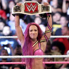 Raw 10/3/16: Sasha Banks vs. Charlotte – Raw Women's Championship Match