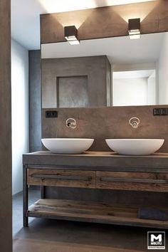 Trots op dit, door ons ontworpen en gemaakte, badkamermeubel. Staal, betonstuc en oud hout…gaaf! www.molitli-interieurmakers.nl