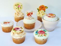 vintage tea set cupcakes by neviepiecakes, via Flickr