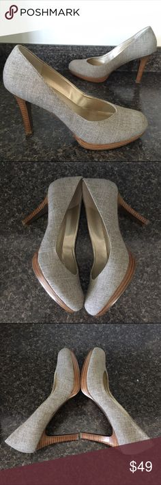 TAHARI Herringbone Tweed Wood Look Heel Pumps Excellent Preowned Condition with light wear showing on the soles. This style runs a half size big and fits size 9  perfectly. (Labeled Size 8.5) Tahari Shoes Heels