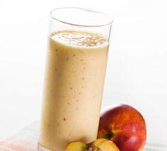 Smoothie de melocotónes y crema - una receta sana y deliciosa para tu desayuno o merienda.