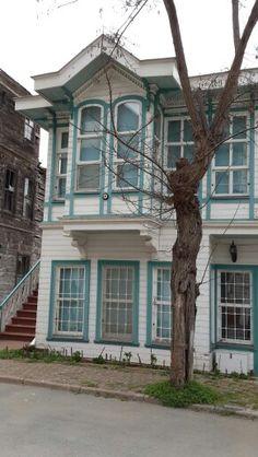 Heybeliada, eski evlerden