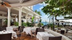 Book your stay at Moana Surfrider, A Westin Resort & Spa, Waikiki Beach to benefit from elegant hotel rooms and a stellar beachfront location in Honolulu. Honolulu Hotels, Honolulu Zoo, Oahu Vacation, Hawaii Resorts, Moana Surfrider, Vacations To Go, Waikiki Beach, Hawaii Travel, Resort Spa