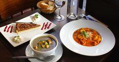 Au Bistro des Galopins, on vous sert, dans un très joli cadre, une formule gourmande entrée / plat / dessert pour moins de 10 euros !
