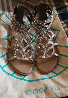 Why I love these: Sandals. So easy to add these as a spark of glam to a great edgy outfit! YELLOW BOX Begonia Embellished Gladiator Sandals from Stitch Fix. Flat Sandals, Gladiator Sandals, Leather Sandals, Gladiators, Cute Shoes, Me Too Shoes, Glamouröse Outfits, Open Toe Flats, Stitch Fix Outfits