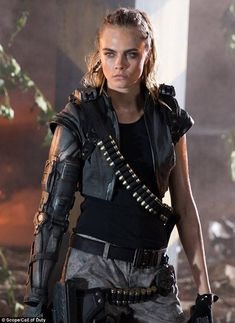 Cara Delevingne, Michael Jordan, Marshawn Lynch Star in Black Ops 3 Ad Cara Delevingne, Michael B. Jordan, Marshawn Lynch Star dans Black Ops 3 – Us Weekly Black Ops 3, Michael Jordan, Mädchen In Uniform, Science Fiction, Military Girl, Call Of Duty Black, Famous Models, Sci Fi Characters, Shadowrun