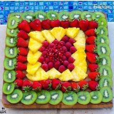 New fruit party platters snacks ideas Party Platters, Party Trays, Party Buffet, Fruits Decoration, Salad Decoration Ideas, Fruit Creations, Fruit Dishes, Fruit Trays, Fruit Snacks