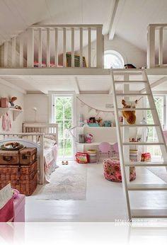 Loft spaces for kids house mezzanine bedroom, kids room, lof Mezzanine Bedroom, Bedroom Loft, Girls Bedroom, Loft Room, Attic Loft, Loft Playroom, Childrens Bedroom, Bedroom Decor, Attic Bedrooms