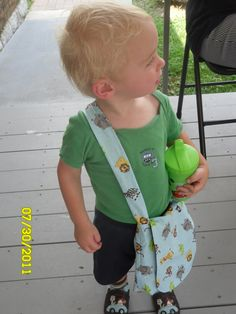 Toddler messenger bag - skipped the pocket and made longer strap for Valentine messenger bag for toddlers and preschoolers - fast and easy.