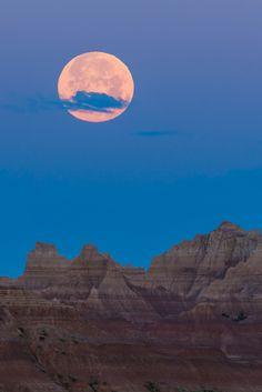 Badlands Super Moon, Badlands National Park, South Dakota, USA,by Ken Krach, on flickr.