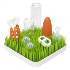 The cool, innovative @Boon Grass is a drying rack perfect for baby's bottles, pacifiers and more. $15.99