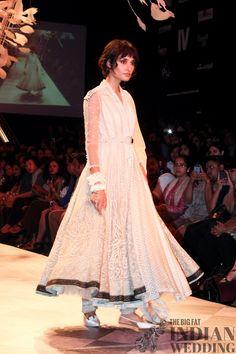Tarun Tahiliani | Lakme Fashion Week 2014-1113 width=