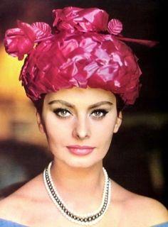 Sophia Loren is wearing a hat   by Jean Barthet photo Guy Arsac, 1962