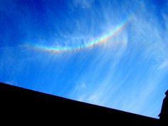 Am Fr. 06.07. zeigt sich mehrmals ein toller Regenbogen über dem Anwesen. Wie immer eine Attraktion.