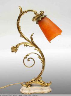 Daum Bronze lamp floriforme 1900