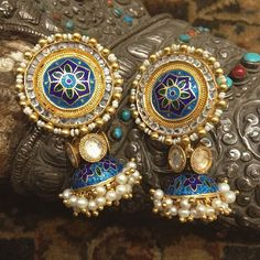 Gorgeous Statement Earrings for the Unconventional Indian Bride I Love Jewelry, Jewelery, Silver Jewelry, Jewelry Design, Silver Ring, Indian Earrings, Silver Earrings, Silver Necklaces, Statement Earrings