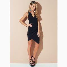 MUST HAVE: Um 'dress' preto que toda a fashionista tem que ter no closet!#reginasalomao #SunsetVibesRS #SS17