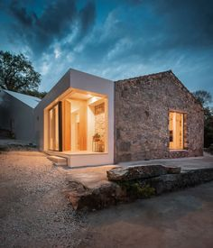 phyd arquitectura connects stone ruins to create contemporary house in portugal Design Exterior, Stone Houses, Interior Architecture, My House, House Plans, New Homes, Cottage, House Design, House Styles