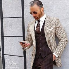 We love suits so much that we dedicate this board to incredible styles and icons www.memysuitandtie.com #menssuitsvintage