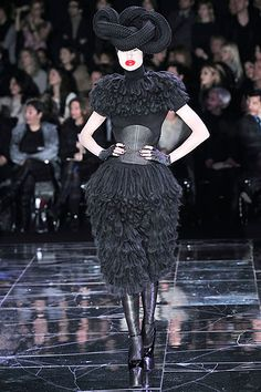 Fall 2009 Ready-to-Wear  Alexander McQueen - Runway