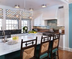 I like this kitchen. House of Turquoise: Taylor Interior Design House Of Turquoise, Turquoise Kitchen, Brown Kitchens, Cool Kitchens, Dream Kitchens, Kitchen And Bath, New Kitchen, Kitchen Ideas, Crisp Kitchen