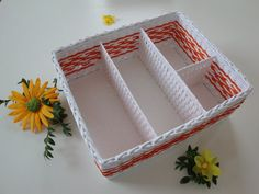 How to make walls with newspaper weaving and includes a link to the basket tutorial