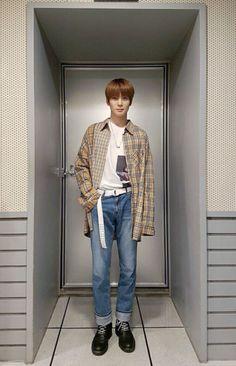 boyfriend vibes are real - nct scenarios Women's Summer Fashion, Boy Fashion, Korean Fashion, Mens Fashion, Fashion Outfits, Nct 127, Street Style India, Rapper, Fashion Photography Inspiration