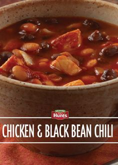 Delight family and friends with this Chicken and Black Bean Chili recipe – pin now and save for later!