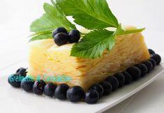 Cette terrine est infiniment légère et tonique. La saveur de la pomme est sublimée par le jus de citron. Le troisième ingrédient est le sucre de canne. On la prépare en deux temps, il faut commencer la veille. Et contrairement aux recettes de mon blog... Sans Gluten Sans Lactose, Saveur, Fruit, Cheesecake, Food, Lemon, Juice, Sugar, Cooking Recipes