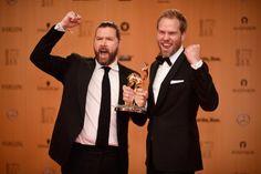 """Pin for Later: Bambi 2015: Das sind alle Gewinner!  Bambi in der Kategorie """"Unsere Erde"""" Rea Garvey und Mitch Anderson für ihr Projekt """"Clear Water"""" Bambi für Integration Kick im Boxring"""