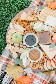 Diving into Autumn with a charcuterie board, perfect for the changing seasons! #mudpiegift #charcuterieboard #harvestboard #fallcharcuterieboard #fallmealideas #fallhomedecor Leopard Sweater, Rose Sweater, Striped Turtleneck, Mud Pie Gifts, Grey Midi Dress, Camo Leggings, Tie Dye Hoodie, Charcuterie Board, Fall Home Decor