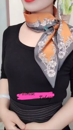 Ways To Tie Scarves, Ways To Wear A Scarf, How To Wear Scarves, Scarf Wearing Styles, Scarf Styles, Diy Fashion Hacks, Fashion Tips, Scarf Knots, Scarf Tutorial