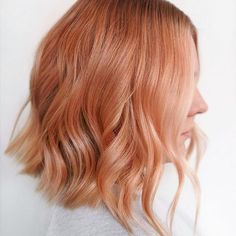 the perfect option for Southern belles trying to warm up their look for summertime—especially those with naturally red locks.It's the perfect option for Southern belles trying to warm up their look for summertime—especially those with naturally red locks. Apricot Hair, Peach Hair Colors, Beautiful Red Hair, Strawberry Blonde Hair, Brown Blonde Hair, Ginger Hair, Gold Hair, Hair Looks, Hair Inspiration