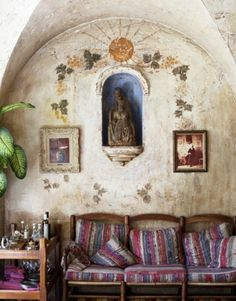 Eclectic sitting/ living room interior Sitting room by Photographer David Prince Library Sitting/ living Room with Moroccan pouffe. Bohemian Interior, Bohemian Decor, Bohemian Homes, Mexican Home Decor, Statues, Santa Fe Style, Art Nouveau, Deco Boheme, Mexican Style