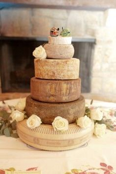Wedding cheese cakes look super-stylish!