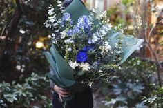 bouquet : seasonal【L】 - THE LITTLE SHOP OF FLOWERS