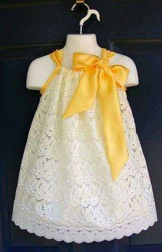 Vestido de encaje para niña