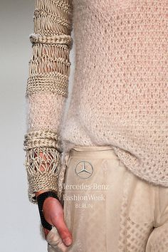 detail decorialab:  (via Mercedes-Benz Fashion Week Berlin – Focus On Fashion DAWID TOMASZEWSKI S/S 2014)