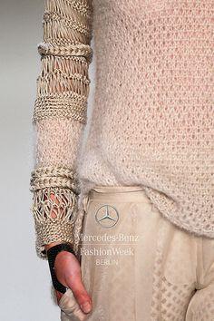 detail decorialab:  (via Mercedes-Benz Fashion Week Berlin – Focus On Fashion DAWID TOMASZEWSKI S/S 2014)